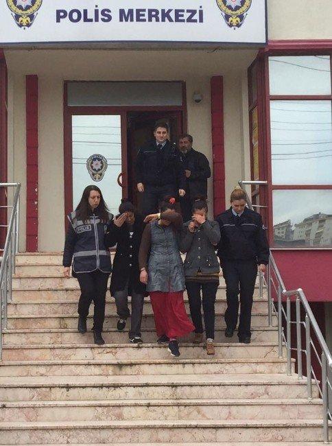 Kocaeli'de Hırsızlık Yapan 3 Kadın Yakalandı