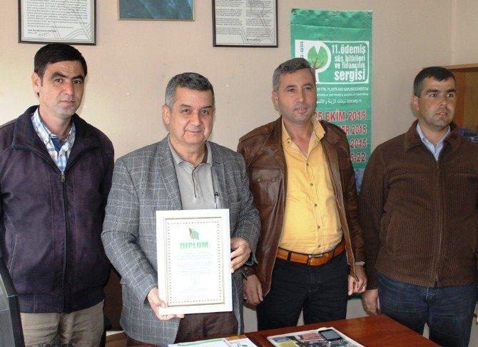 Ödemiş'teki Süs Bitkileri Üreticileri Türmenistan'daki Fuara Katıldı