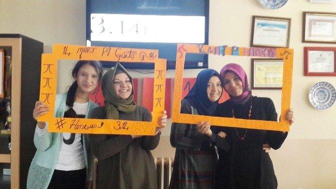 'Dünya Pi Günü' Şehitler Ortaokulu'nda Pasta Ve Kurabiyeyle Kutlandı