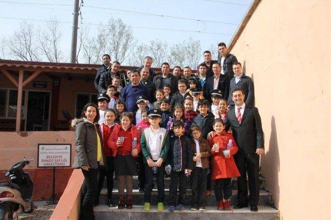 Öğrencilerden, Edirne Belediye Bandosu'na Ziyaret