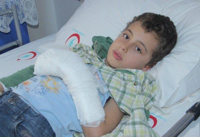 Iraklı Çocuğun Kopan Parmağı Dikildi