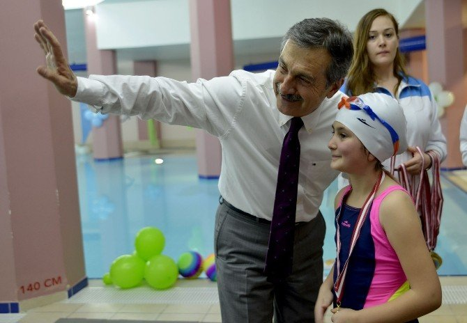 Çocuklardan Su Sporları Merkezi'ne Yoğun İlgi
