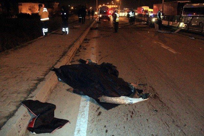 Eskişehir'de Trafik Kazası: 1 Ölü, 1'i Ağır 2 Yaralı