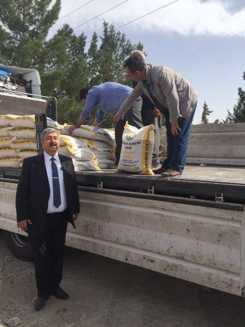 Nizip'te Yem Dağıtımı