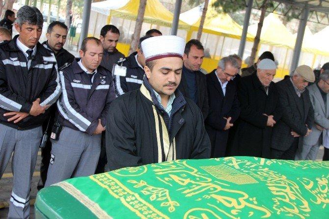 Gaziantep'te Boğularak Yakılan Kadın Cesedi Mezarlık Görevlileri Tarafından Defnedildi