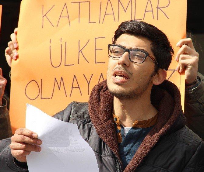 Tıp Öğrencileri Ankara Saldırısını Protesto Etti