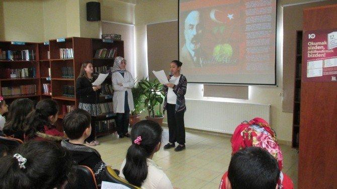 """""""Asım'ın Nesli"""" İstiklal Marşı'nın 95'inci Yıl Dönümünü Kutladı"""