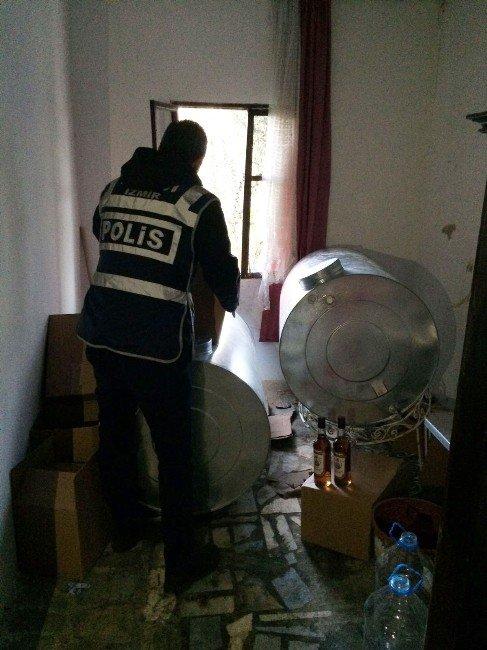 Sahte İçki Üretim Deposuna Polis Baskını
