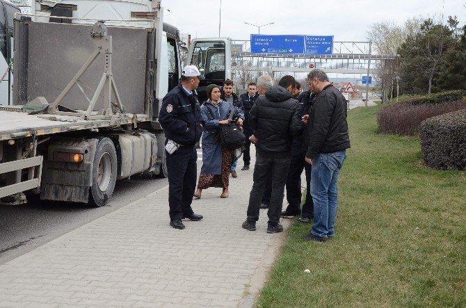 Şüpheli Otostopçu Kadın, Polis Ekiplerini Alarma Geçirdi