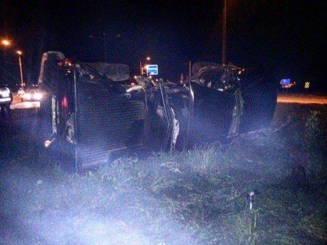 Yolcu Otobüsü İle Kamyonet Çarpıştı: 1 Ölü