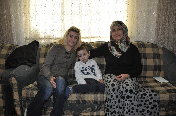 61 Ameliyat Geçiren Minik Kayra'yı Yardımlar Hayata Bağlayacak