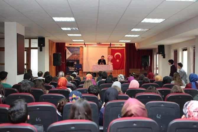 Kültür Sanat Etkinlikleri 'Hoca Ahmet Yesevi' Söyleşisi İle Devam Etti