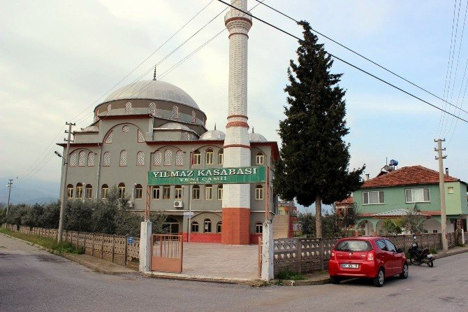 Salihli'de İki Günlük Bebek Cami Avlusuna Terk Edildi