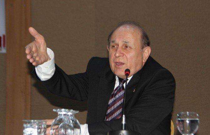 Meclis Anayasa Komisyonu Başkanı Burhan Kuzu Şanlıurfa'da