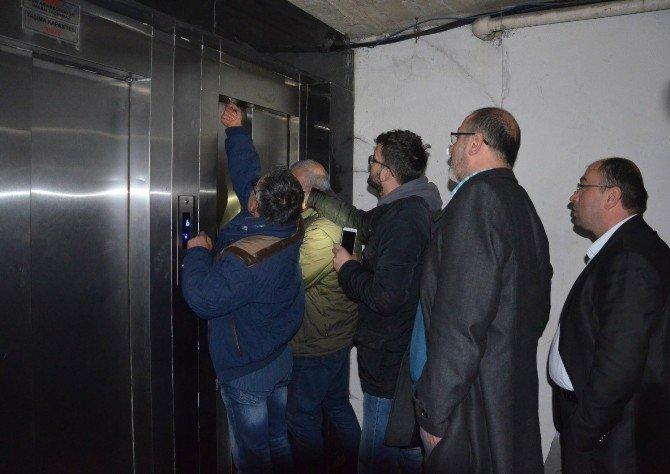Milletvekili Taşcı, Asansörde Mahsur Kaldı