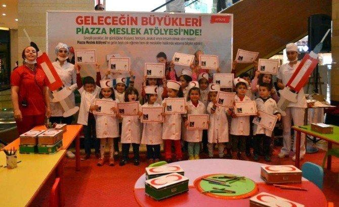 Piazza Çocuk Kulübü, Miniklere Meslekleri Tanıtıyor
