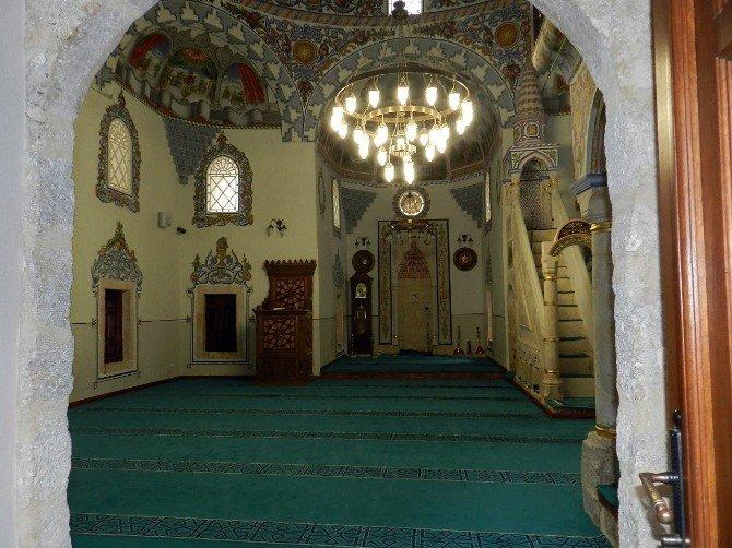 Erdoğan Canlı Bağlantıyla Prizren'de Cami Açtı