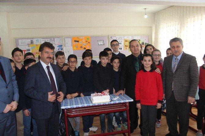 Suriyeli Sara'ya Kaymakamdan Doğum Günü Sürprizi