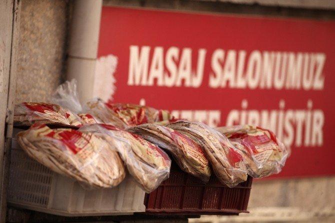 Suriye Ekmeği Adana'da Fırıncıları Vurdu