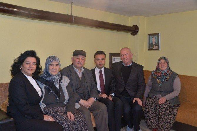 Vali Civelek'ten Şehit Ailesine Ziyaret