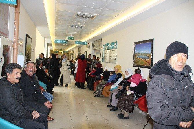 Varto Devlet Hastanesi'nde Hasta Yoğunluğu