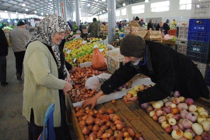 Soğanın Fiyatı Cep Yakıyor