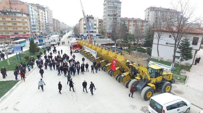 Kamil Saraçoğlu: Belediyemize 12 Milyon TL Değerinde 45 Yeni Araç Daha Kazandırdık