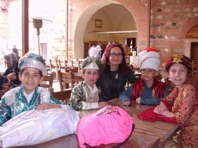 Drama Öğrencileri Mesir Macunu Kardı