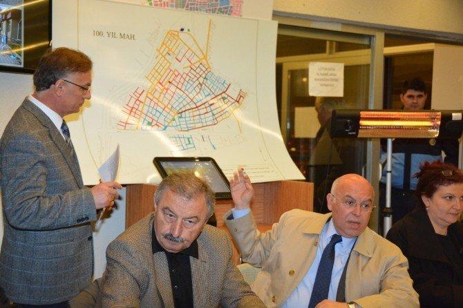 100. Yıl Mahallesi'ne Yapılan Yatırımlar Mahalle Sakinlerine Anlatıldı