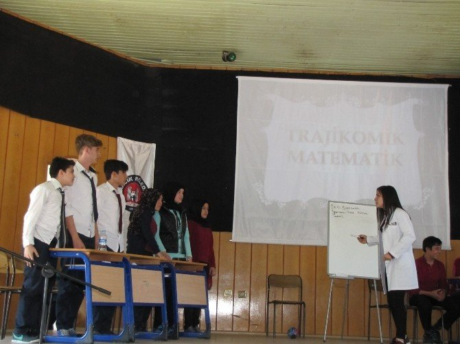 Lisesi'de Matematik Şenliği