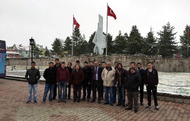 Kyk Yesevi Yurdu Öğrencilerinden Anlamlı Ziyaret