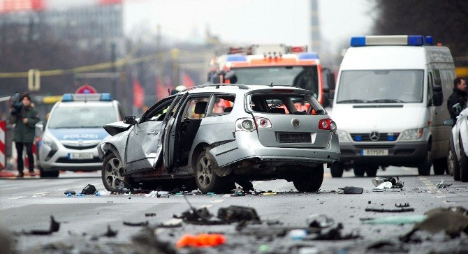 Aracına Bomba Konulan Türk, Polonya'da Uyuşturucudan Mahkum Olmuş
