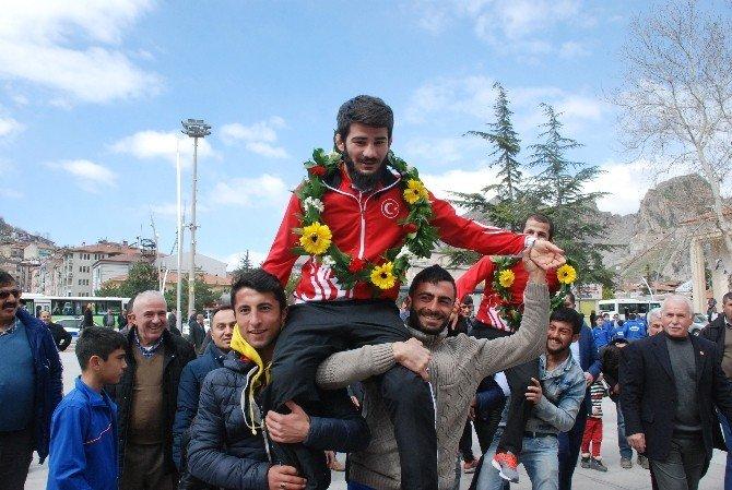 Avrupa Şampiyonu Güreşçi Demirtaş'ın Hedefi Olimpiyatlar