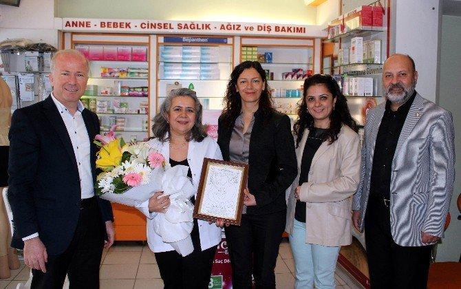 Aydın'da Bebek Dosto Eczane Ödüllendirildi