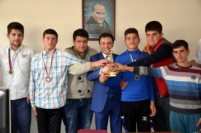 Aydın'dan Basketbolda Özel Başarı
