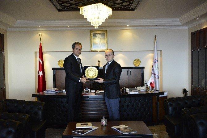 BİK Müdürü Ali Nuhoğlu Rektör Özer'i Ziyaret Etti