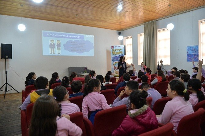 Beyoğlu'nda Çocuklara Tasarruf Alışkanlığı Öğretiliyor