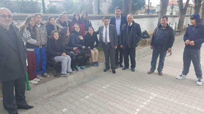 Burhaniye'de Aydınlıoğlu Ziyaretlerde Bulundu