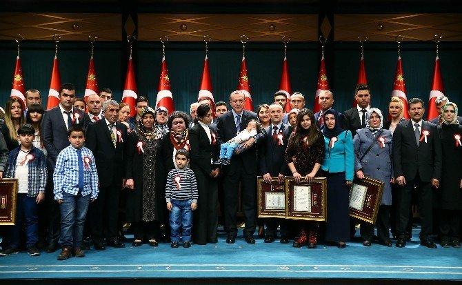 Cumhurbaşkanlığı Külliyesi'nde Devlet Övünç Madalyası Tevcih Töreni