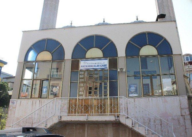 Denizli'de Camiden Ayakkabı Hırsızlığı