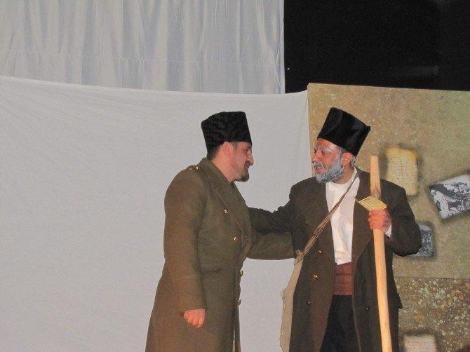 Hisarcık'ta 'Dönmeyi Düşünmediler Çanakkale 1915' Konulu Tiyatro