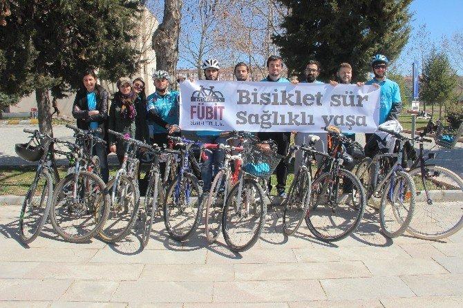 Elazığ'da Sağlık Çalışanları Pedal Çevirdi