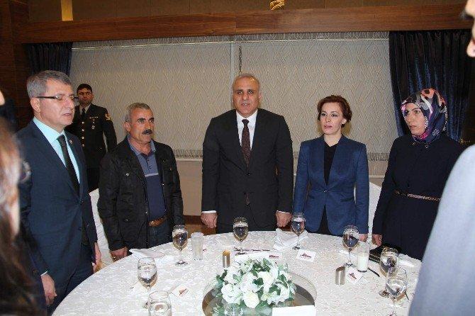 Elazığ'da Devlet Övünç Madalyası Ve Beratı Tevcih Töreni Yapıldı
