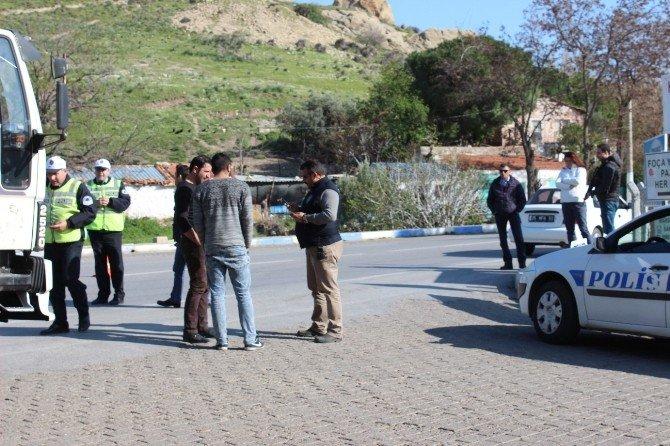 Foça'da Kasksız Motosiklet Sürücülerine Geçit Yok