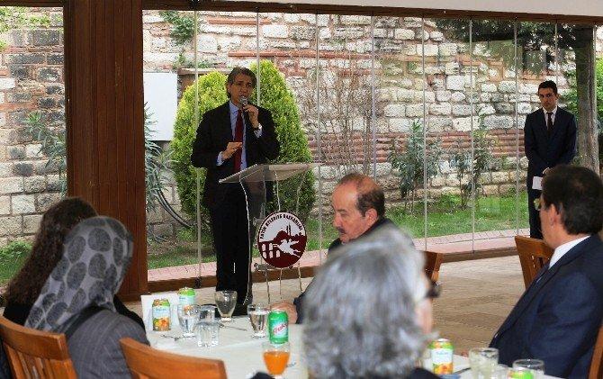 Başkan Mustafa Demir Şehit Aileleriyle Buluştu