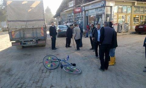 Freni Olmayan Bisiklet, Kamyonu Çarptı