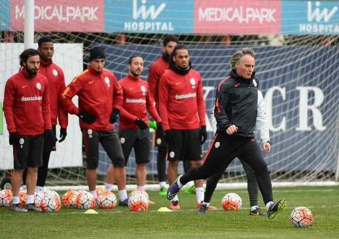 Galatasaray, Derbi Maçın Hazırlıklarını Sürdürüyor