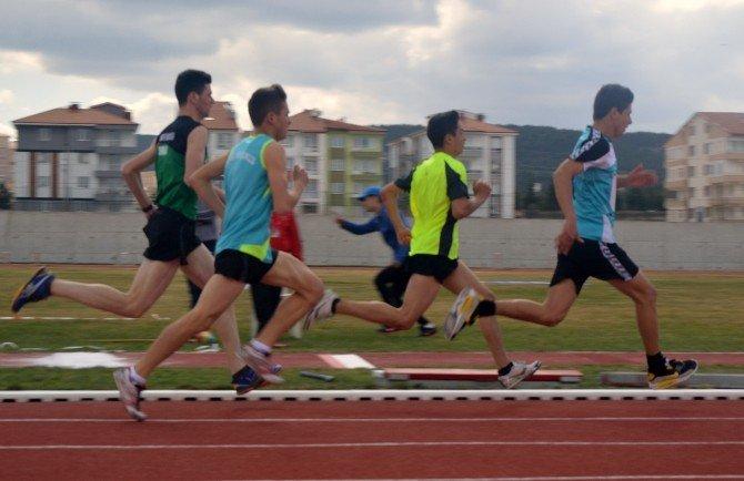 Atletizmde İl Birincisi Oldular