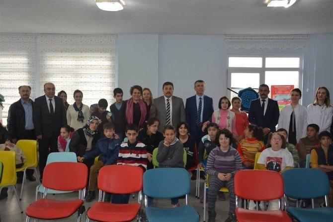 Kaymakam Sırmalı Özel Eğitim Merkezini Ziyaret Etti
