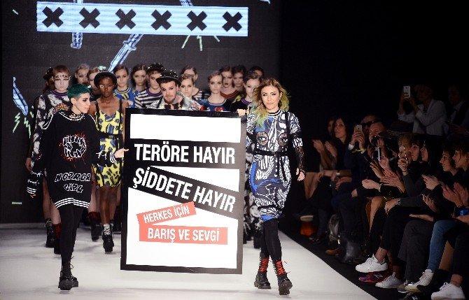 İstanbul Moda Haftası'nda Dikkat Çeken Terör Mesajı